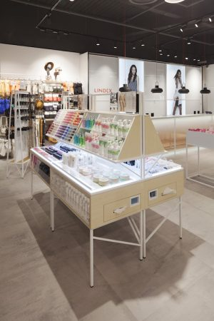 Checkland Kindleysides- Lindex Westfield Stratford - Cosmetics Display