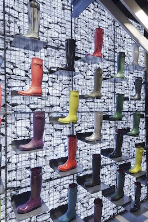 Checkland Kindleysides- 004 Hunter Regent Street - Gabion Stone Wall displaying Iconic Hunter Welliington