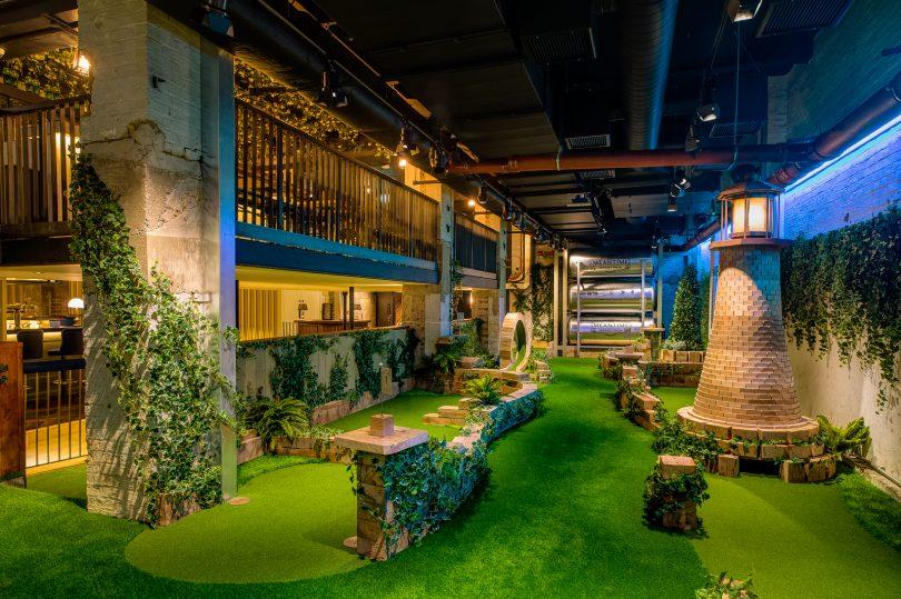 TheOriginal Crazy Golf Club SWINGERS CITY Celebrates its THIRD BIRTHDAY in Style
