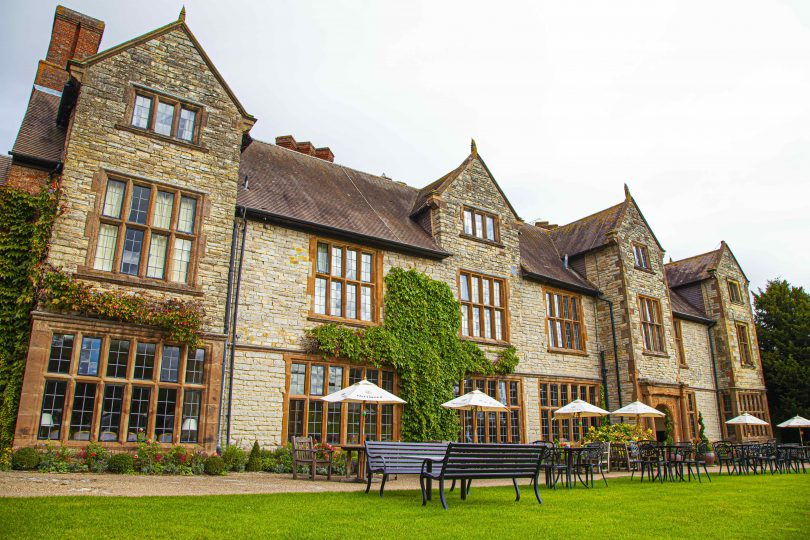 Billesley Manor announces plans to donate furniture from ongoing refurbishments to The Shakespeare Hospice